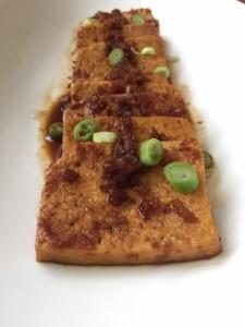 Braised tofu in caramel sauce