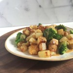 tempeh broccoli skillet with cheesy ale sauce close up