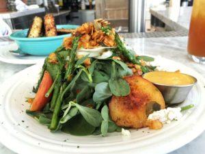 local-seasonal-spinach-peach-salad