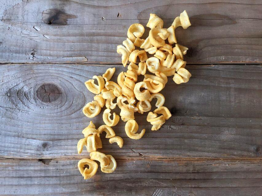 aged-cheddar-lentil-loops-nature-box