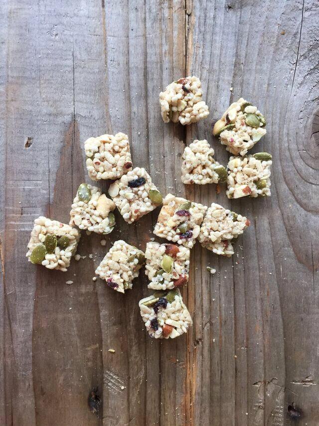 blueberry-almond-quinoa-bites