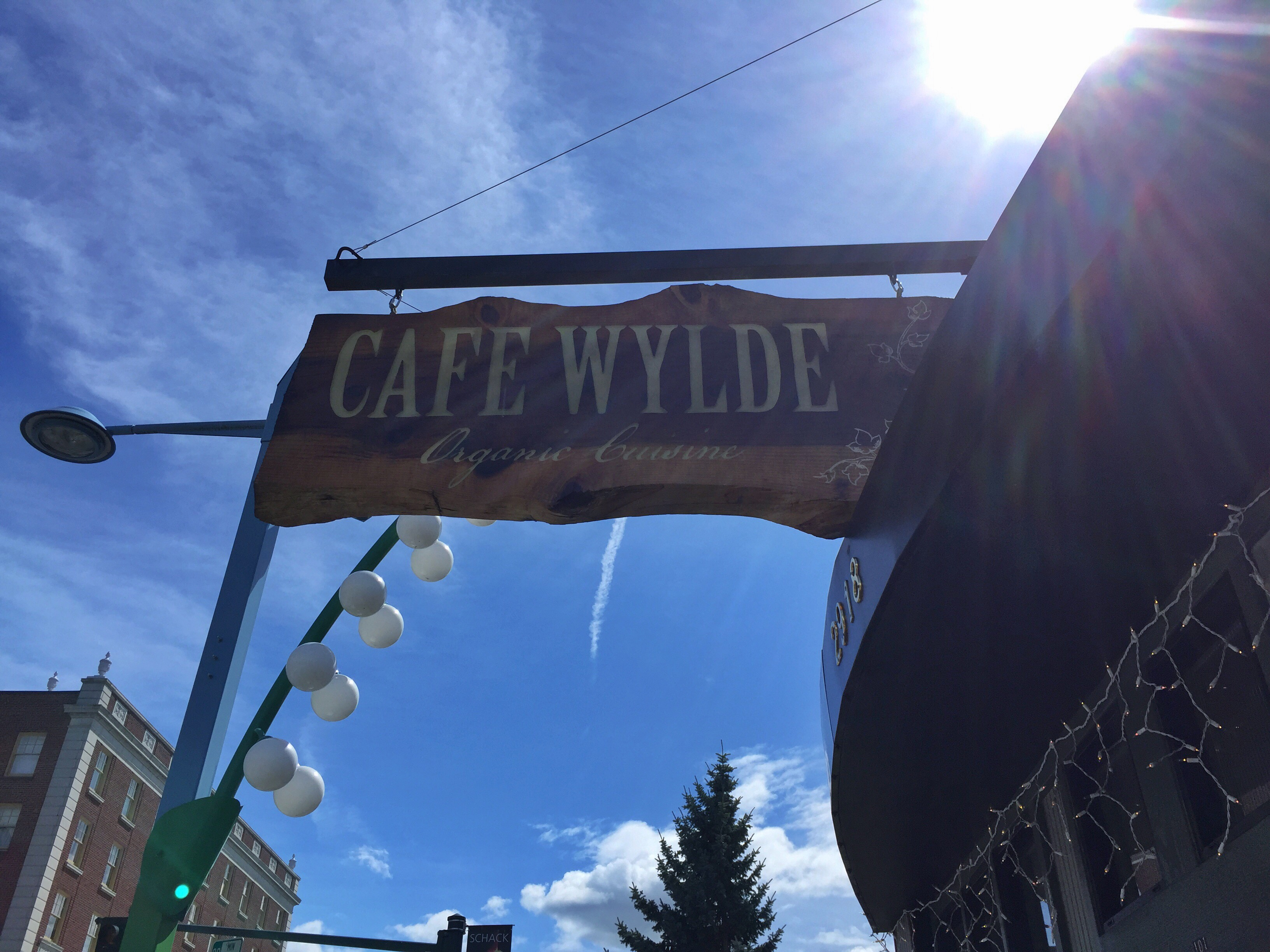 Cafe Wylde sign