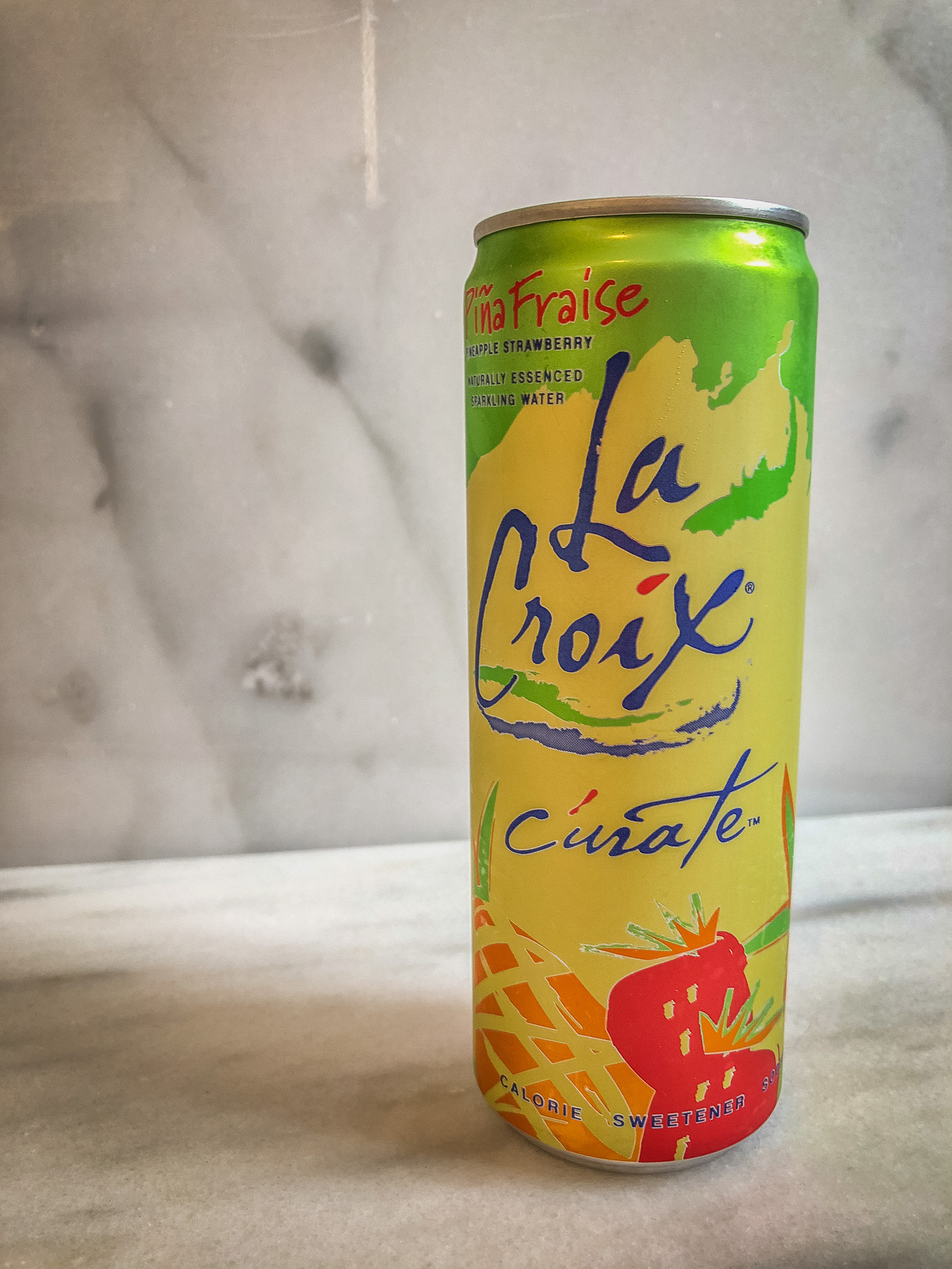 Can of pineapple strawberry la croix