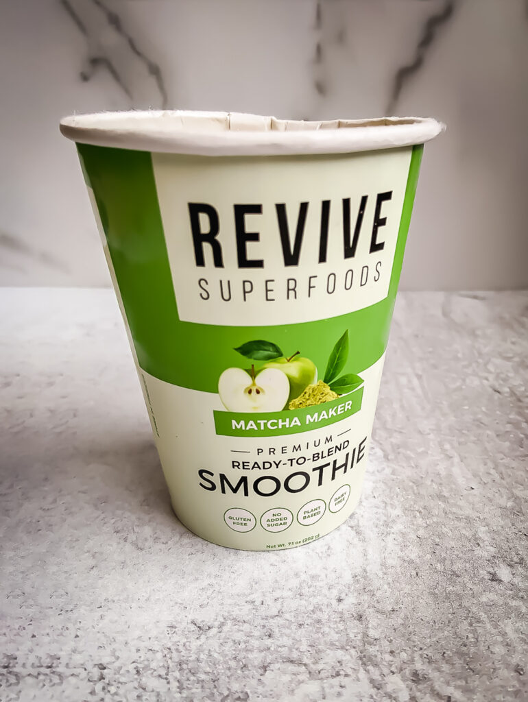 Paper smoothie cup matcha